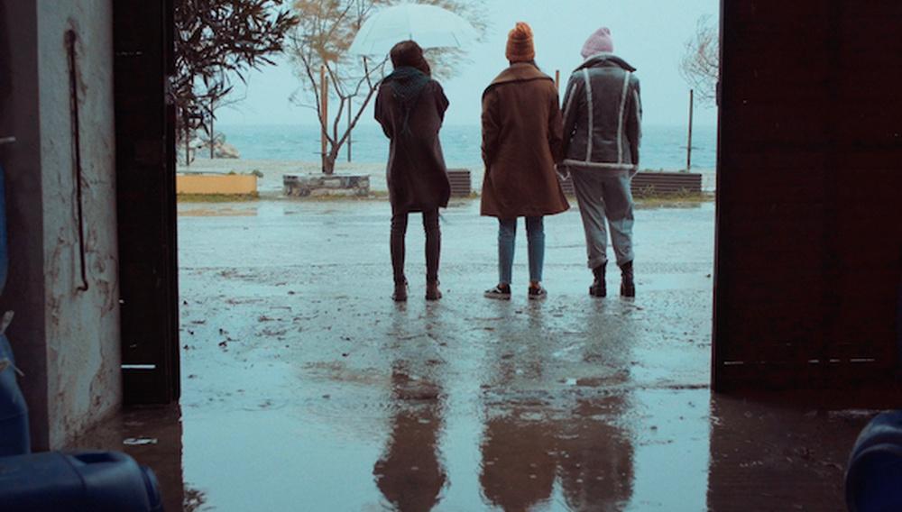 Ο Δημήτρης Τσακαλέας και η Λήδα Βαρτζιώτη περνούν ένα (καθόλου) «Sad Girl Weekend» στο Σαράγεβο