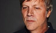 Νομοτελειακό: Ο Τοντ Χέινς βάζει μπροστά το ντοκιμαντέρ για τους Velvet Underground