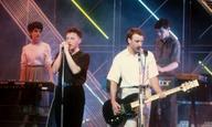 Αφιερωμένο στις φορές που ακούσαμε (και χορέψαμε) το «Blue Monday» των New Order στο σινεμά