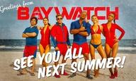 Μην φοβάστε το χειμώνα. Τα νέα πόστερ του «Baywatch» φέρνουν το καλοκαίρι