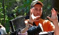 O Τρέι Εντουαρντ Σουλτς, σκηνοθέτης του «Ερχεται τη Νύχτα», ετοιμάζει το δικό του μιούζικαλ