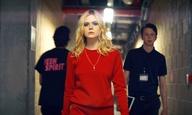 Dancing on my own: H Ελ Φάνινγκ είναι έτοιμη για κάτι πιο ποπ στο «Teen Spirit»