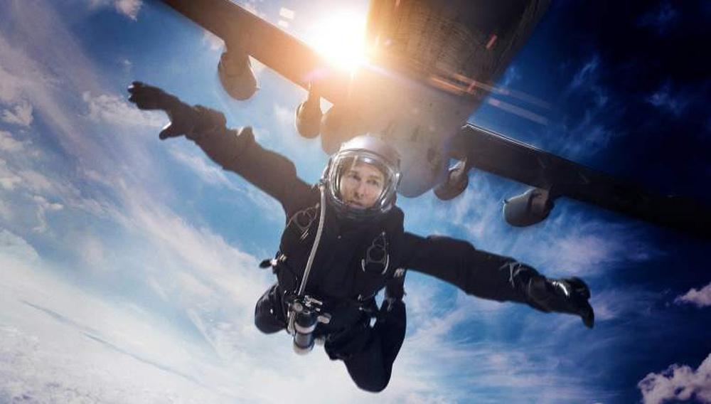 Ο Τομ Κρουζ πέφτει από τα 25.000 πόδια. Γιατί μπορεί!