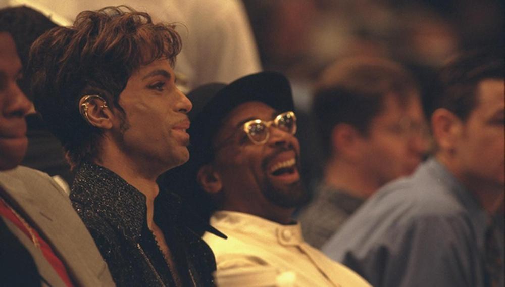 Ο Σπάικ Λι ντύνει με σκηνές του «BlacKkKlansman» ένα ανέκδοτο τραγούδι του Prince