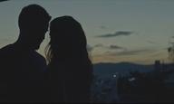 To «Οντως Φιλιούνται;» του Γιάννη Κορρέ φτάνει στο σινεμά ακριβώς τη στιγμή που το χρειαζόμασταν