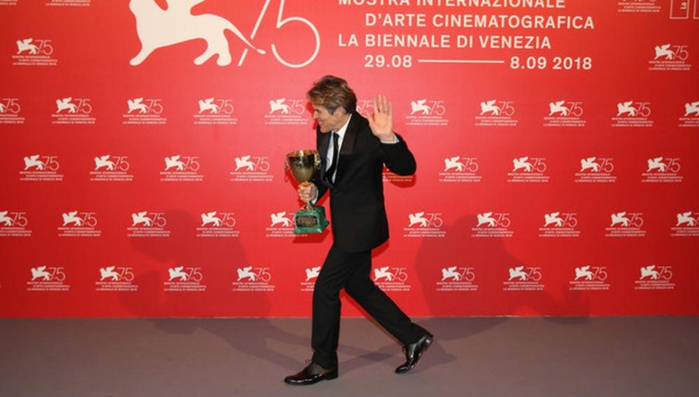 Βενετία 2018: Tο πρώτο μεγάλο βραβείο ερμηνείας του Γουίλεμ Νταφόε... ever!