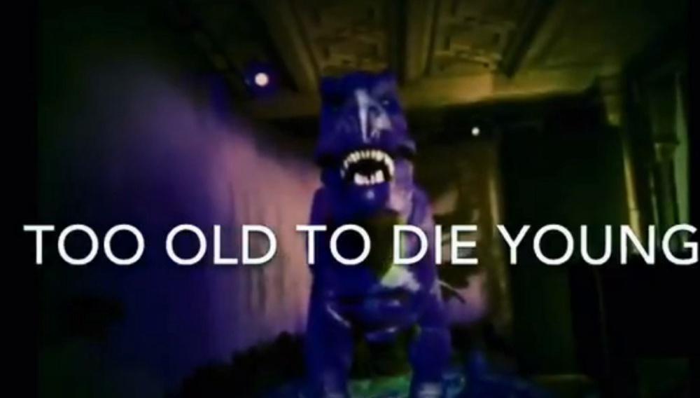 Το «Too Old to Die Young» του Νίκολας Βίντινγκ Ρεφν είναι ένα νουάρ με… δεινόσαυρους;