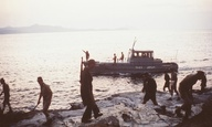 Τα νησιά του ελληνικού σινεμά #13 - Η Μακρόνησος στο «Χάππυ Νταίη» του Παντελή Βούλγαρη