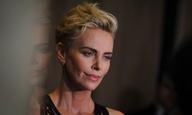 «Μου είναι δύσκολο να το καταπιώ»: η Σαρλίζ Θερόν αντιδρά στα νέα της νεότερης «Furiosa»