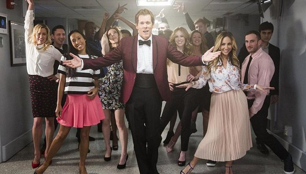 Δεν θα απαγορεύσει ποτέ κανείς στον Κέβιν Μπέικον να χορέψει!