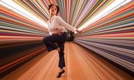 Η FKA twigs χορεύει για τον Σπάικ Τζόουνς (και την Apple)