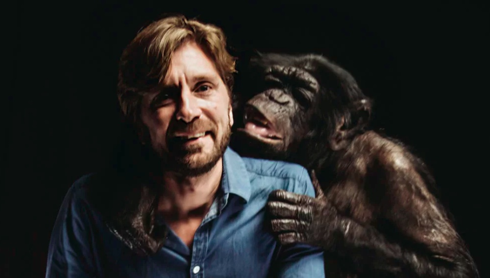 «Με χιούμορ λέει κανείς τα πιο σοβαρά πράγματα»: Το Flix βάζει τον Ρούμπεν Εστλουντ στο «Τετράγωνο»