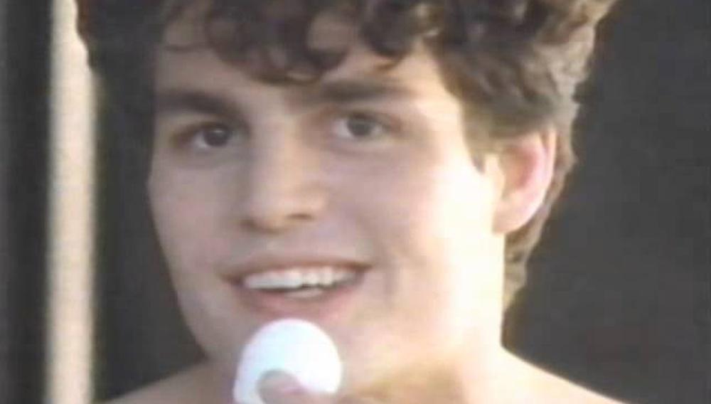 Ανεκτίμητο: ο Μάρκ Ράφαλο σε διαφήμιση του 1989 για... την καταπολέμηση της ακμής