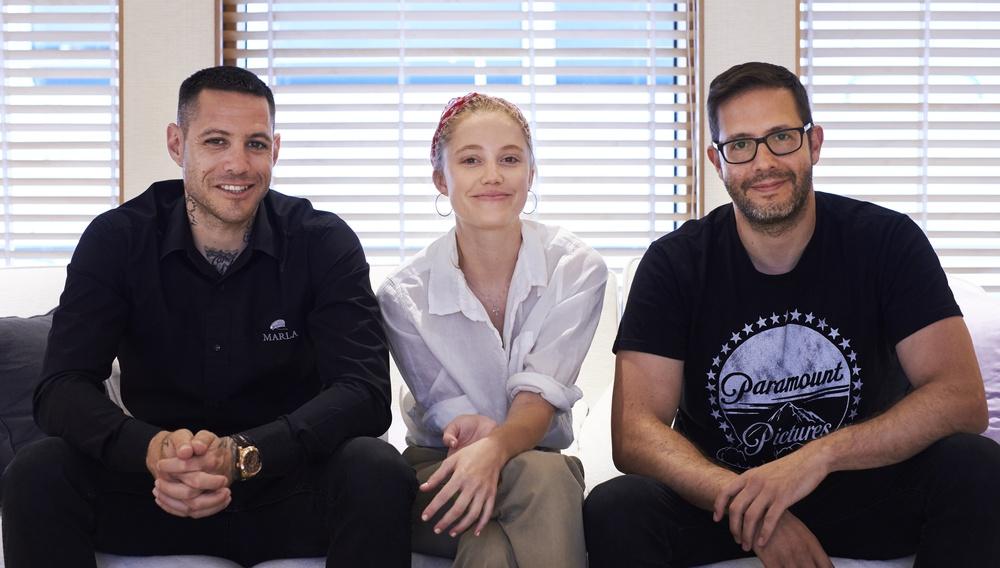 Η Μάικα Μονρό, ο Πάρις Κασιδόκωστας-Λάτσης κι ο  Τέρυ Ντούγκας, μίλουν για το «TAU»