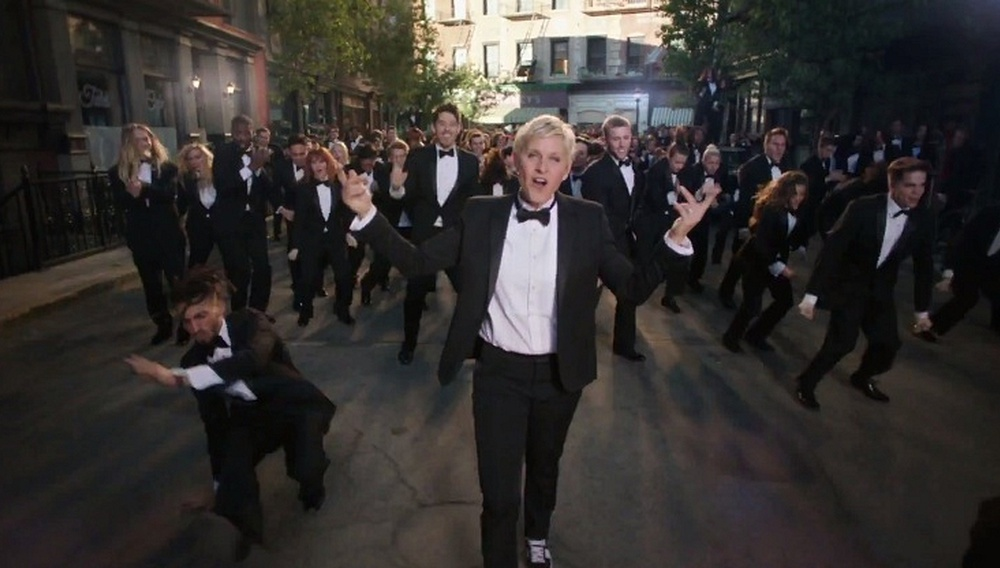 Oscars 2014: Κανείς δεν φοράει το tuxedo οπως η Ελεν ΝτιΤζένερις