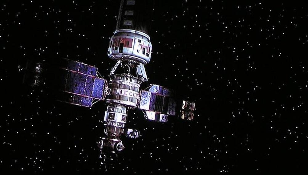 To μέλλον του σινεμά είναι... δορυφορικό!