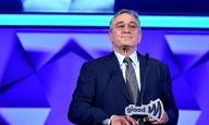 Ο Ρόμπερτ Ντε Νίρο βραβεύεται για τη στήριξή του στην LGBT κοινότητα και συγκινεί