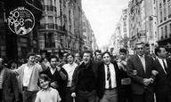 Αφιέρωμα   Μάης '68   Να Πεθαίνεις στα 30 του Ρομέν Γκουπίλ