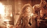 Ο Ρέιφ Φάινς και η Ελενα Μπόναμ Κάρτερ έχουν… «Μεγάλες Προσδοκίες»!