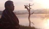 Τα σύνορα που ορίζουν τον «άνθρωπο» στα «Χαρακτηριστικά Γνωρίσματα» της Φερνάντα Βαλαντές