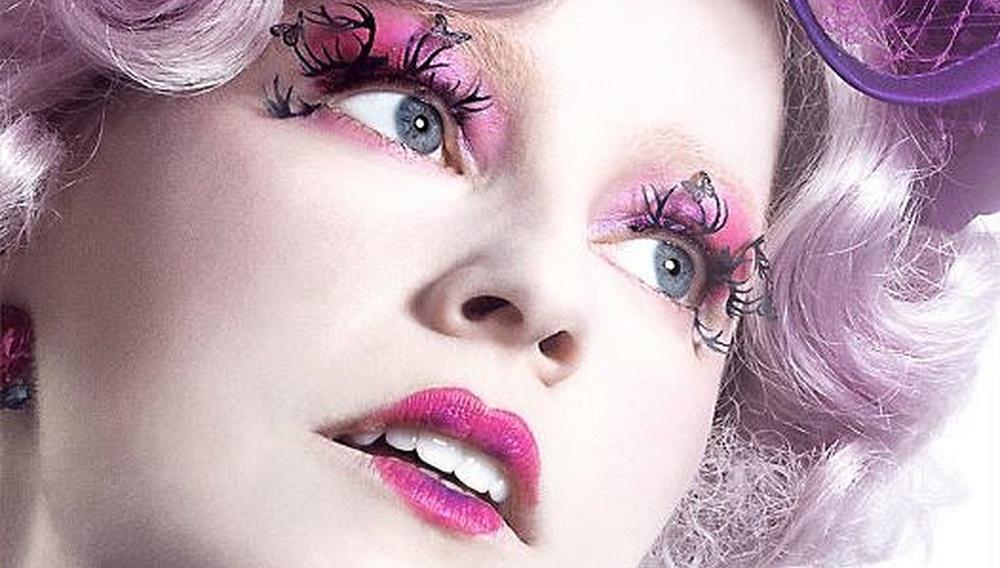 Ψάχνατε βερνίκι νυχιών για τις γιορτές; Η Εφι Τρίνκετ συστήνει «Hunger Games»