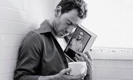 Ο Μάικλ Φασμπέντερ φωτογραφίζεται από τον Μπρους Γουέμπερ για το T Magazine