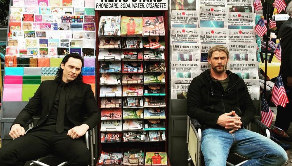 Οι Κρις Χέμσγουορθ και Τομ Χίντλστον περνάνε τέλεια στα γυρίσματα του «Thor: Ragnarok»