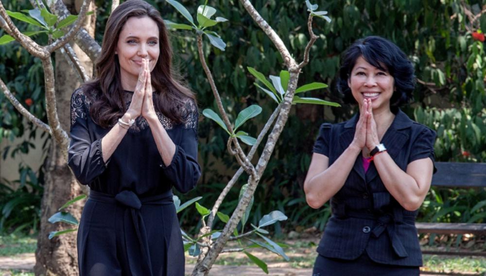 Η Αντζελίνα Τζολί με τα παιδιά στην Καμπότζη, για την πρεμιέρα της νέας της ταινίας