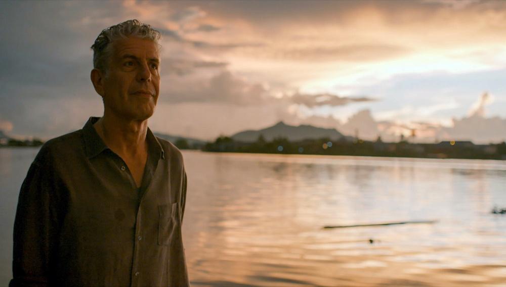 Αντιδράσεις για το ντοκιμαντέρ «Roadrunner» το οποίο χρησιμοποιεί ΑΙ τεχνολογία για την φωνή του Αντονι Μπουρντέν