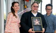 Ο Γκιγιέρμο Ντελ Τόρο κερδίζει τη θέση του ανάμεσα στα αστέρια του Χόλιγουντ