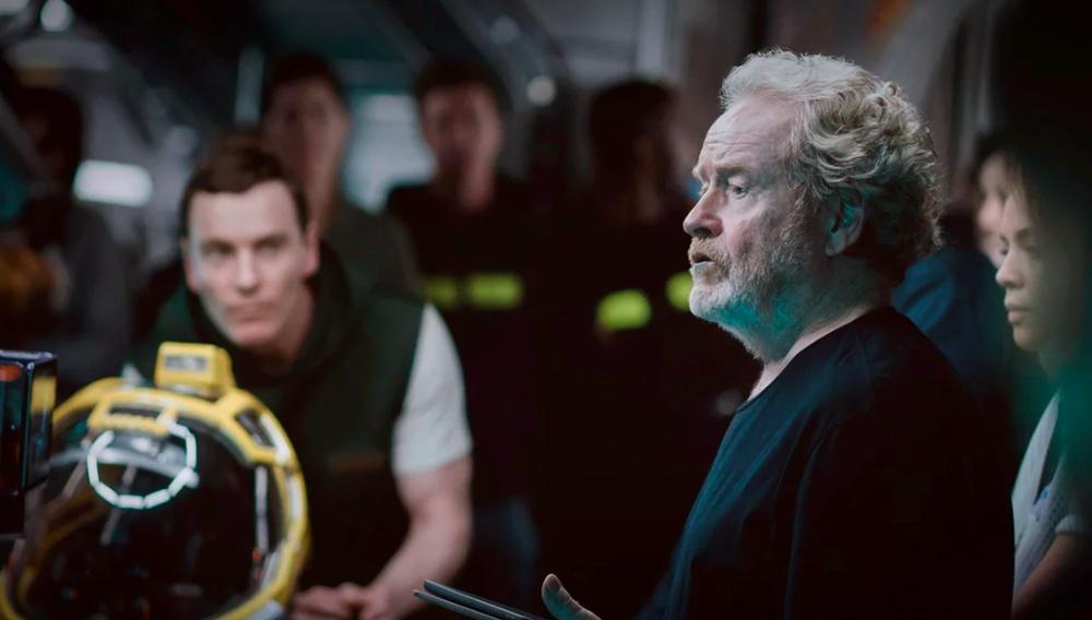 Ο Ρίντλεϊ Σκοτ μάς βάζει στη θέση μας: το «Alien» του Νιλ Μπλόμκαμπ δε θα γίνει ποτέ