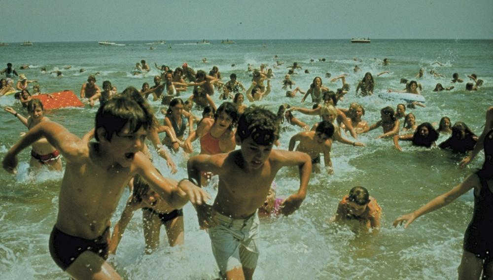 To Flix στις αξέχαστες παραλίες του σινεμά #14 - Στα Σαγόνια του Καρχαρία (1975)
