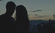 «Ετσι καυλώνει ο κόσμος;» Είναι το «Οντως Φιλιούνται;» του Γιάννη Κορρέ η ταινία μιας γενιάς;
