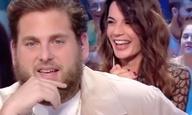 Ο Τζόνα Χιλ δεν διασκέδασε καθόλου με το χιούμορ παρουσιάστριας της γαλλικής τηλεόρασης