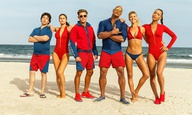 To τρέιλερ του «Baywatch» είναι επισήμως το πιο... γυμνασμένο της χρονιάς
