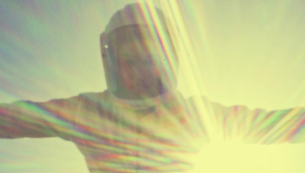 «Touch me»: Ο Γιώργος Ζώης σκηνοθετεί ένα sci-fi θρίλερ για έναν έρωτα στα χρόνια της... πανδημίας