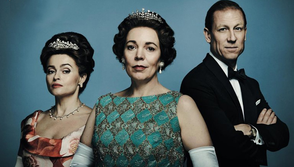 «Είναι πια στο συμβόλαιό μου: θα παίζω μόνο βασίλισσες!» Η Ολίβια Κόλμαν και το καστ της 3ης σεζόν του «The Crown», υποκλίνεται