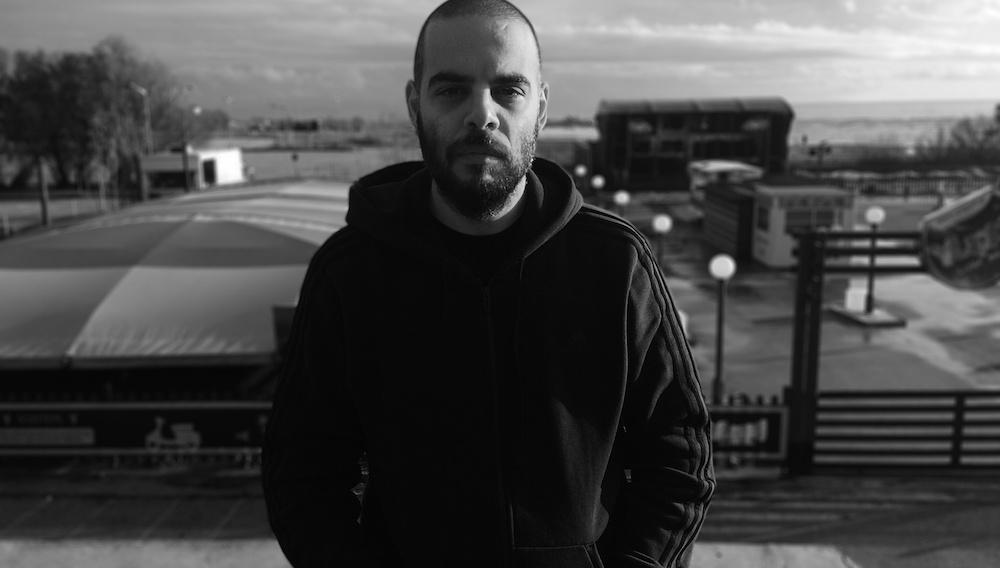Flix 2020 | Ο Φωκίων Μπόγρης δίνει «Πρόστιμο» στη χρονιά που πέρασε