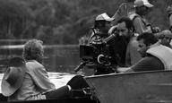 Το «γιακρούνα» κι άλλα 4 πράγματα που μάθαμε από τον Σίρο Γκέρα, σκηνοθέτη τού «Στην Αγκαλιά του Φιδιού»