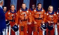 Ο Μάικλ Μπέι... ζητά συγγνώμη για το «Armageddon»