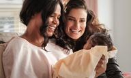 Το ρημέικ  του «Οι Φίλες», θέλει να κάνει μια νέα γενιά από γυναίκες να πλαντάξουν στο κλάμα