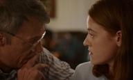Berlinale 2021: Η «Σελήνη, 66 Ερωτήσεις» της Ζακλίν Λέντζου βρίσκει στόχο στην καρδιά