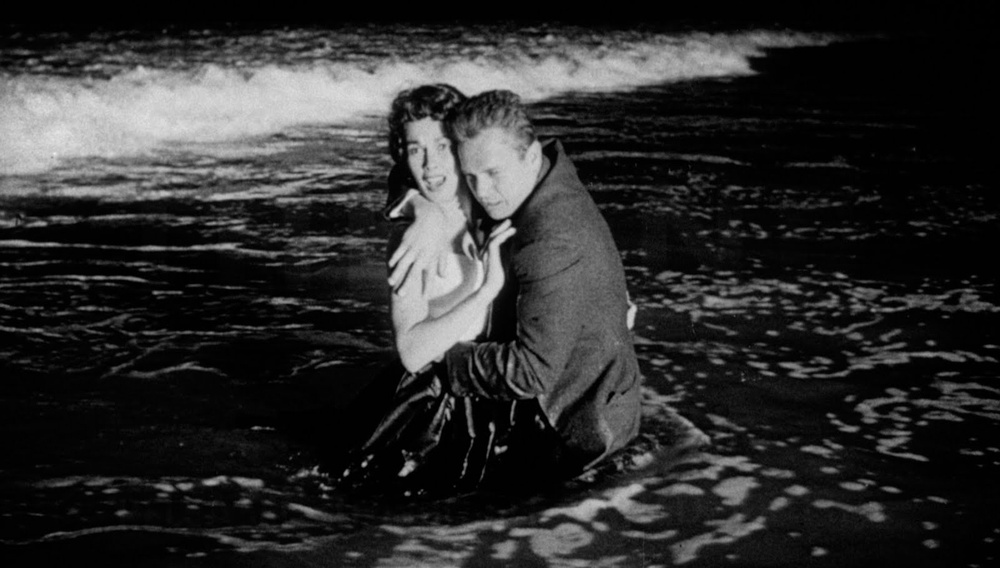 To Flix στις αξέχαστες παραλίες του σινεμά #27 - Kiss me Deadly (1955)