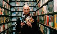 Ο Τζον Γουότερς και πάλι στη ντουλάπα (της Criterion Collection)