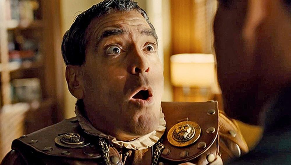 Ο Τζορτζ Κλούνεϊ τρώει ξύλο κι ο Τσάνινγκ Τέιτουμ τραγουδά στα πρώτα film clips του «Hail, Caesar!»