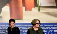 Πριν δυο χρόνια, η Ανιέσκα Χόλαντ κατέστρεφε το μυθιστόρημα της - Νομπελίστα, πλέον - Ολγκα Τοκάρτσουκ