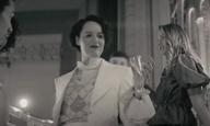 Η Φίμπι Γουόλερ-Μπριτζ χαρίζει ένα χορό στον Χάρι Στάιλς
