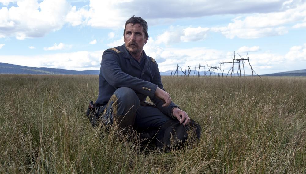 Ο Κρίστιαν Μπέιλ αντιμέτωπος με την Αγρια Δύση, στο τρέιλερ του «Hostiles»