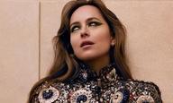 Η Ντακότα Τζόνσον ξεπερνά τον εφιάλτη του «Suspiria» με μια φωτογράφιση μόδας