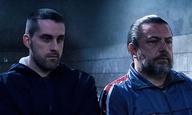 «Οικογένεια είμαστε...» Το «Πρόστιμο» του Φωκίωνα Μπόγρη ετοιμάζεται για τα θερινά σινεμά μ' ένα νέο teaser